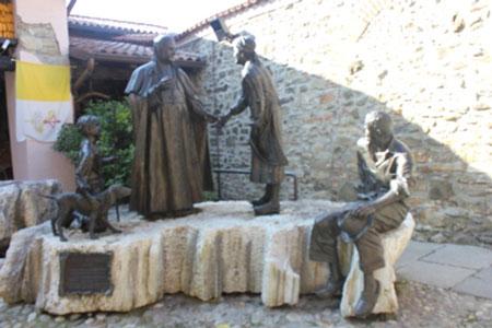 sotto il monte 2014 - statua papa giovanni